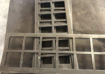 metal-frames-art-frames-short-iron-store-400x284